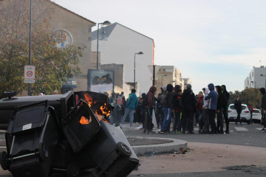 Des incidents, des slogans et des meneurs