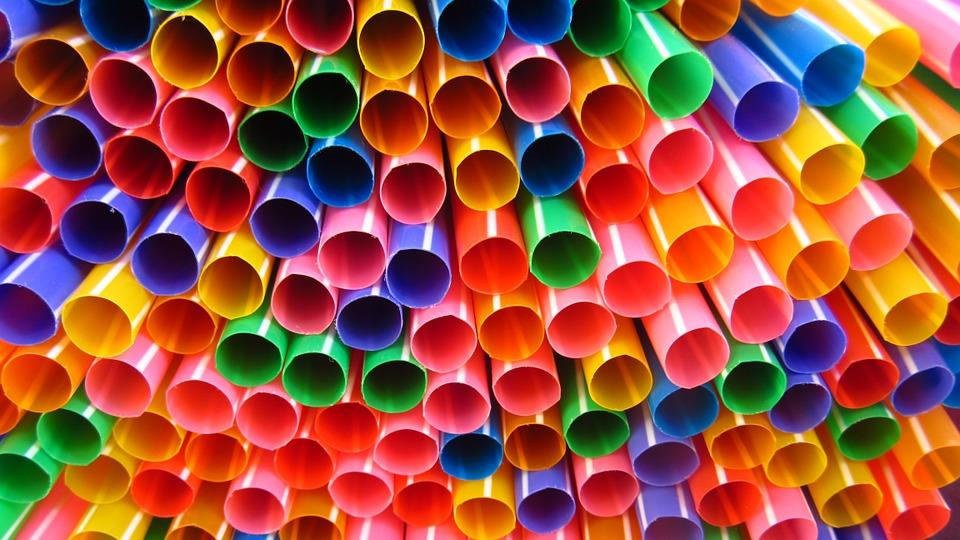 De nombreux produits en plastique à usage unique interdits par l'UE
